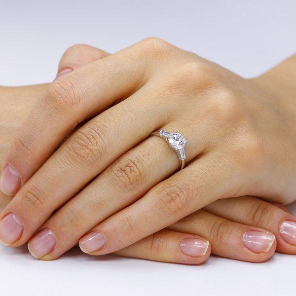Inel de logodna argint cu 3 cristale Briliant & Marchiza TRSR037, Corelle