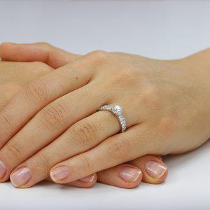Inel de logodna argint Solitar cu cristale laterale TRSR044, Corelle