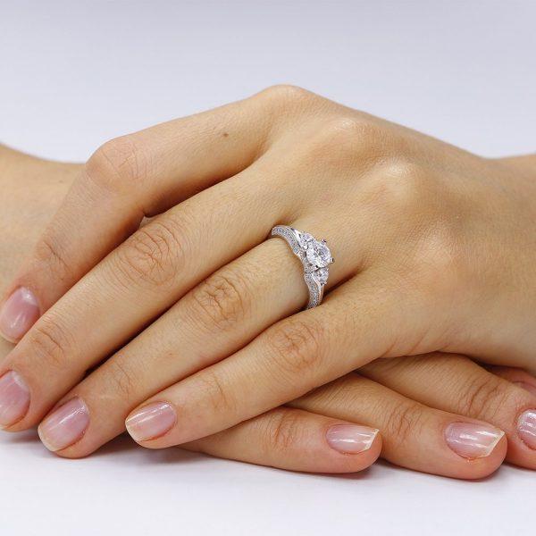 Inel de logodna argint cu 3 cristale centrale TRSR071, Corelle