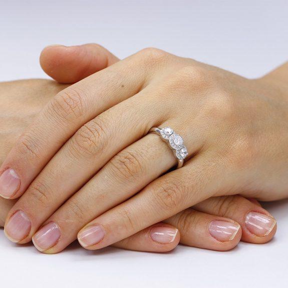 Inel argint cu 3 cristale centrale in model Anturaj TRSR096, Corelle